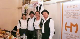 09-Magyarsag-haza-kopcsiak2
