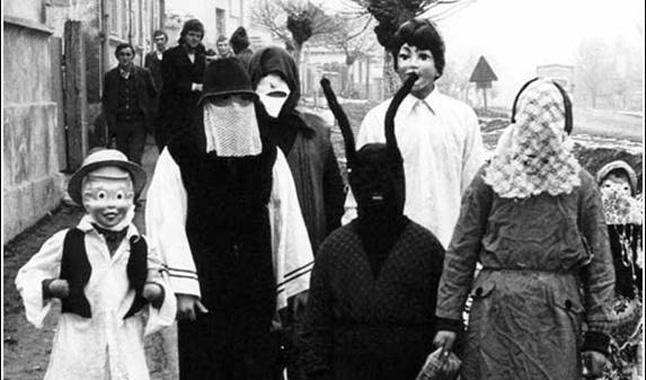 Farsangi alakoskodók Laskón az 1970-es években